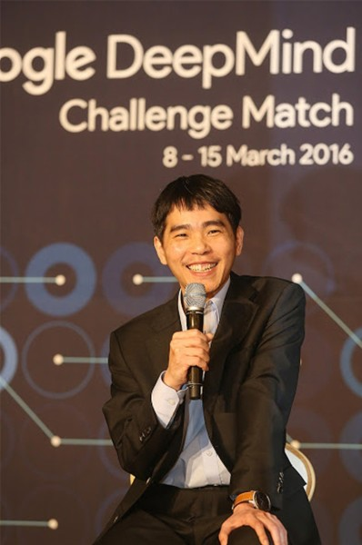 AlphaGo-Lee-Sedol-game-4-6